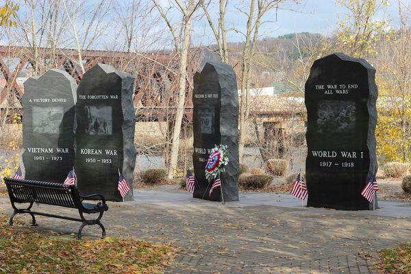 Veterans_Memorial_Park